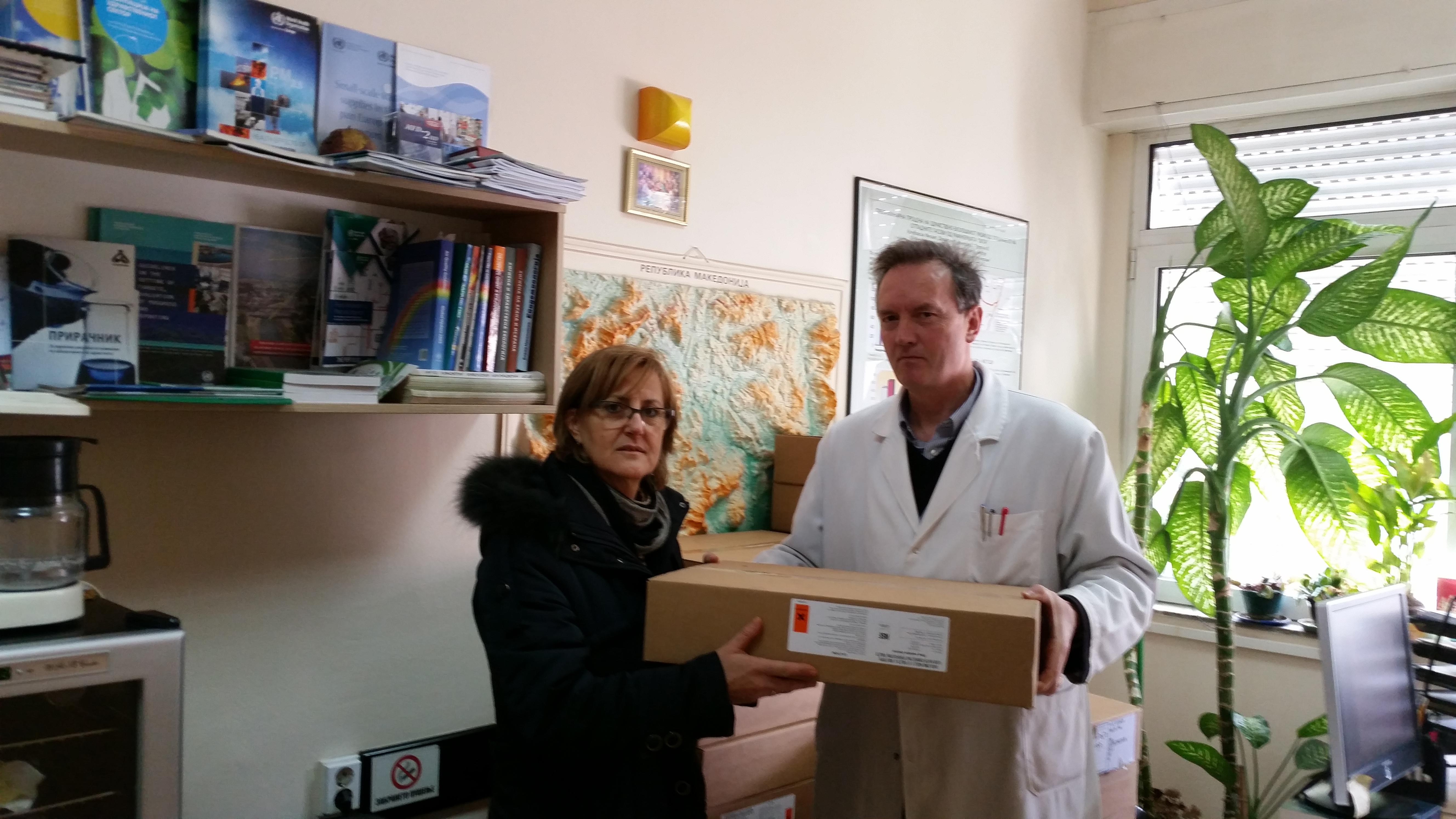 Министерството за здравство и УНИЦЕФ дистрибуираат таблети за дезинфекција на водата за пиење на водоснабдителните објекти за граѓаните од поплавените регионите во Македонија